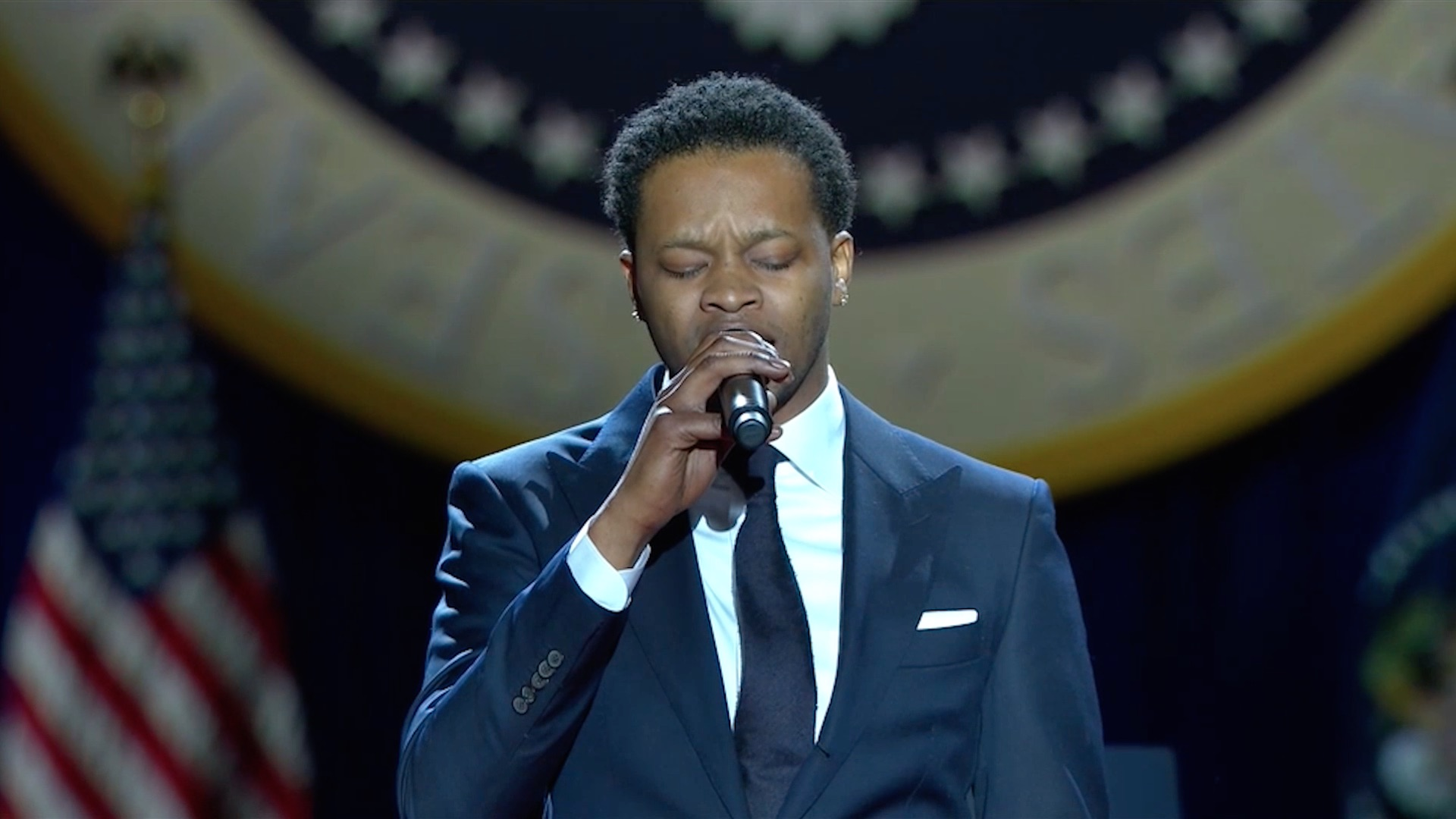 Bj The Chicago Kid Sings The National Anthem At Obama S Farewell Speech The Washington Post