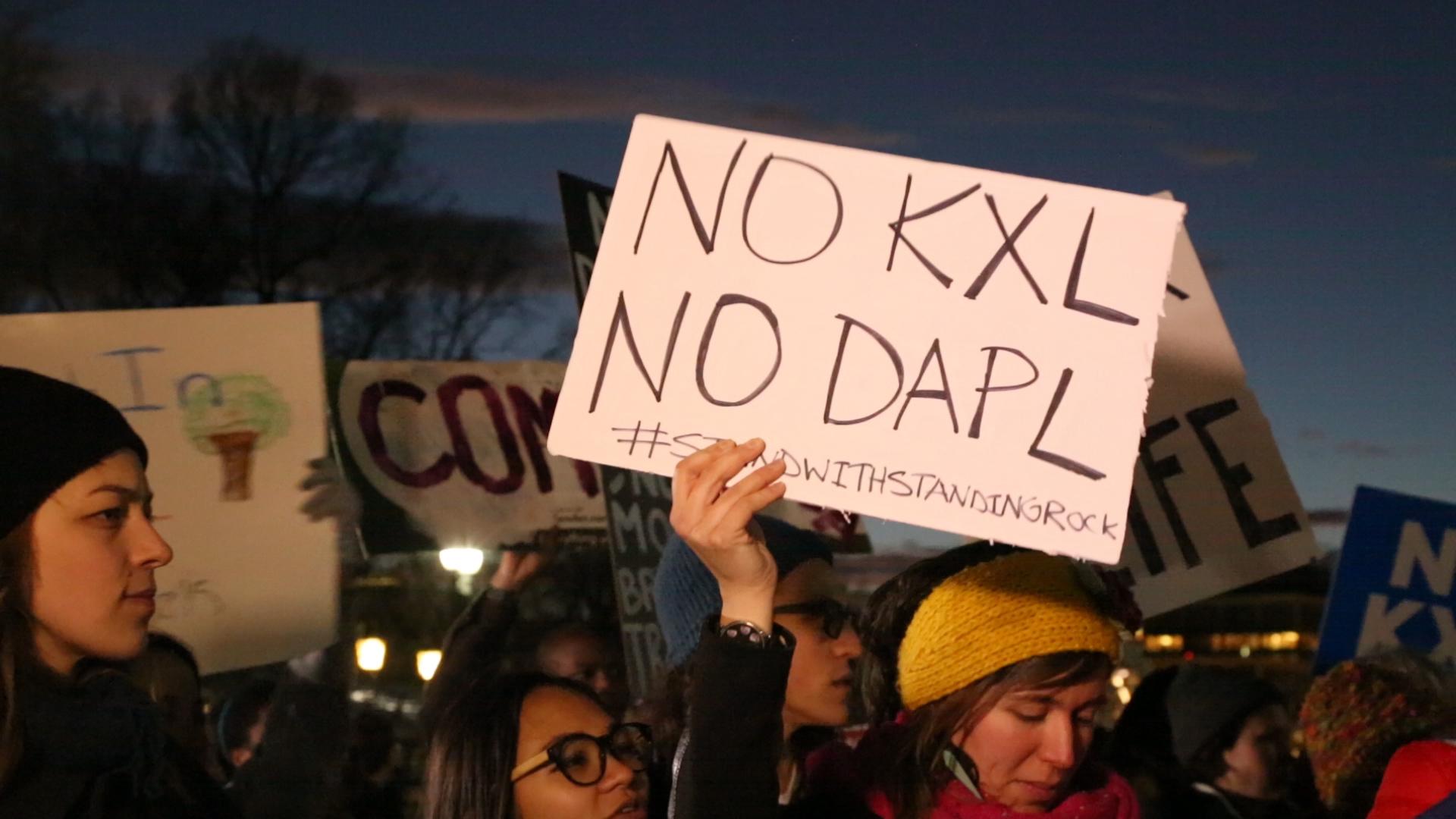 Trump seeks to revive Dakota Access, Keystone XL oil pipelines