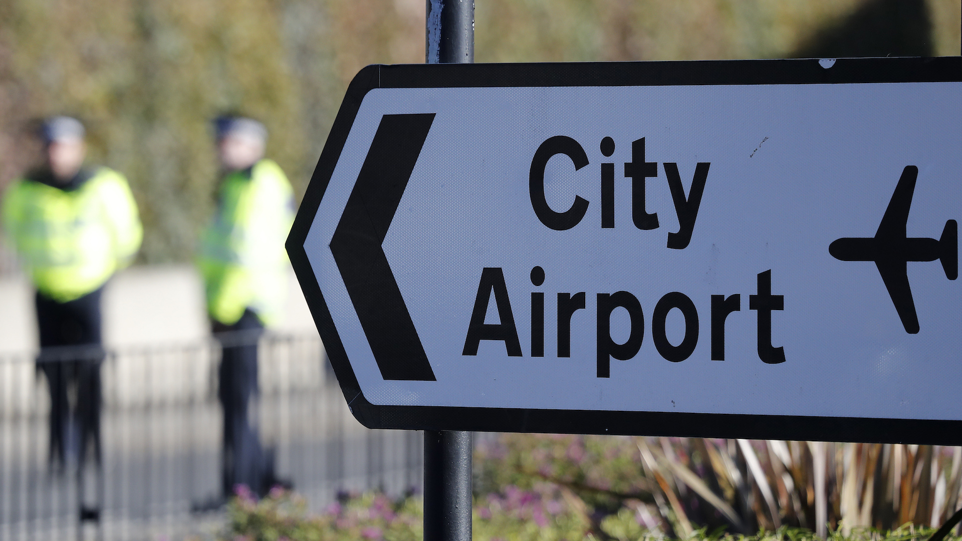 London City Airport cancels all flights after discovery of huge WWII bomb
