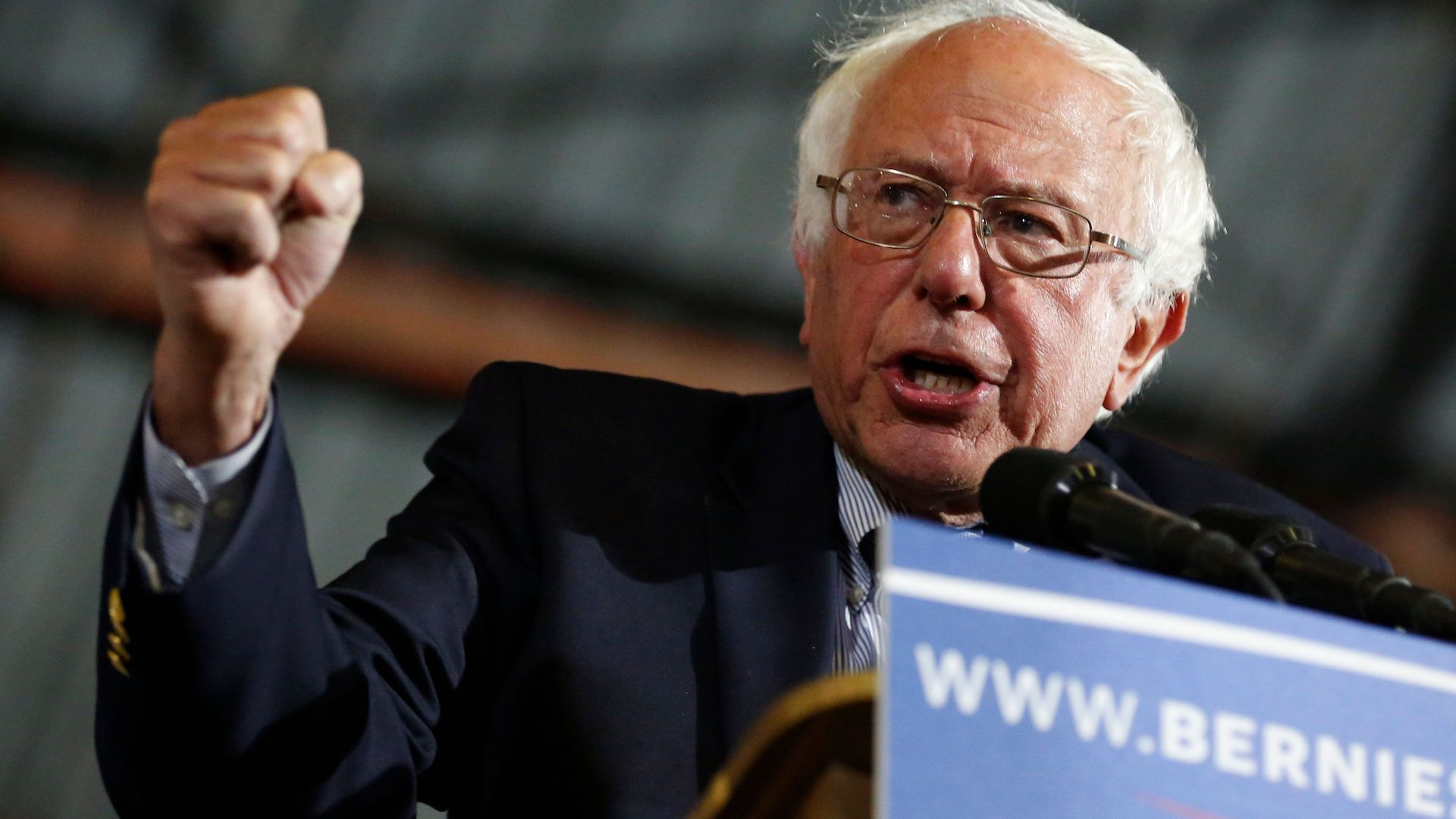 Sanders gets tough reception at minority women's event, signaling challenges ahead