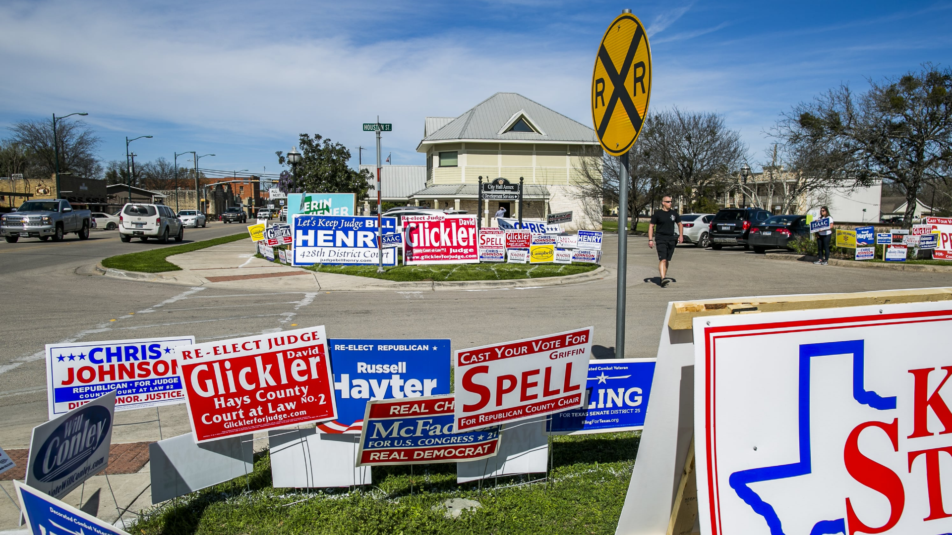 Texas primaries: Democratic engagement grows — but Republicans still have the overall advantage