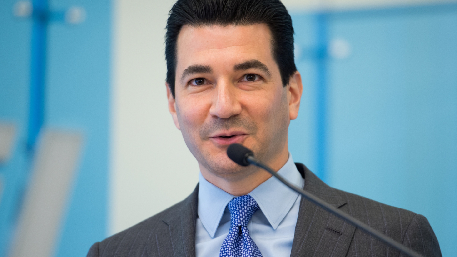Trump to select Scott Gottlieb, a physician with deep drug-industry ties, to run the FDA