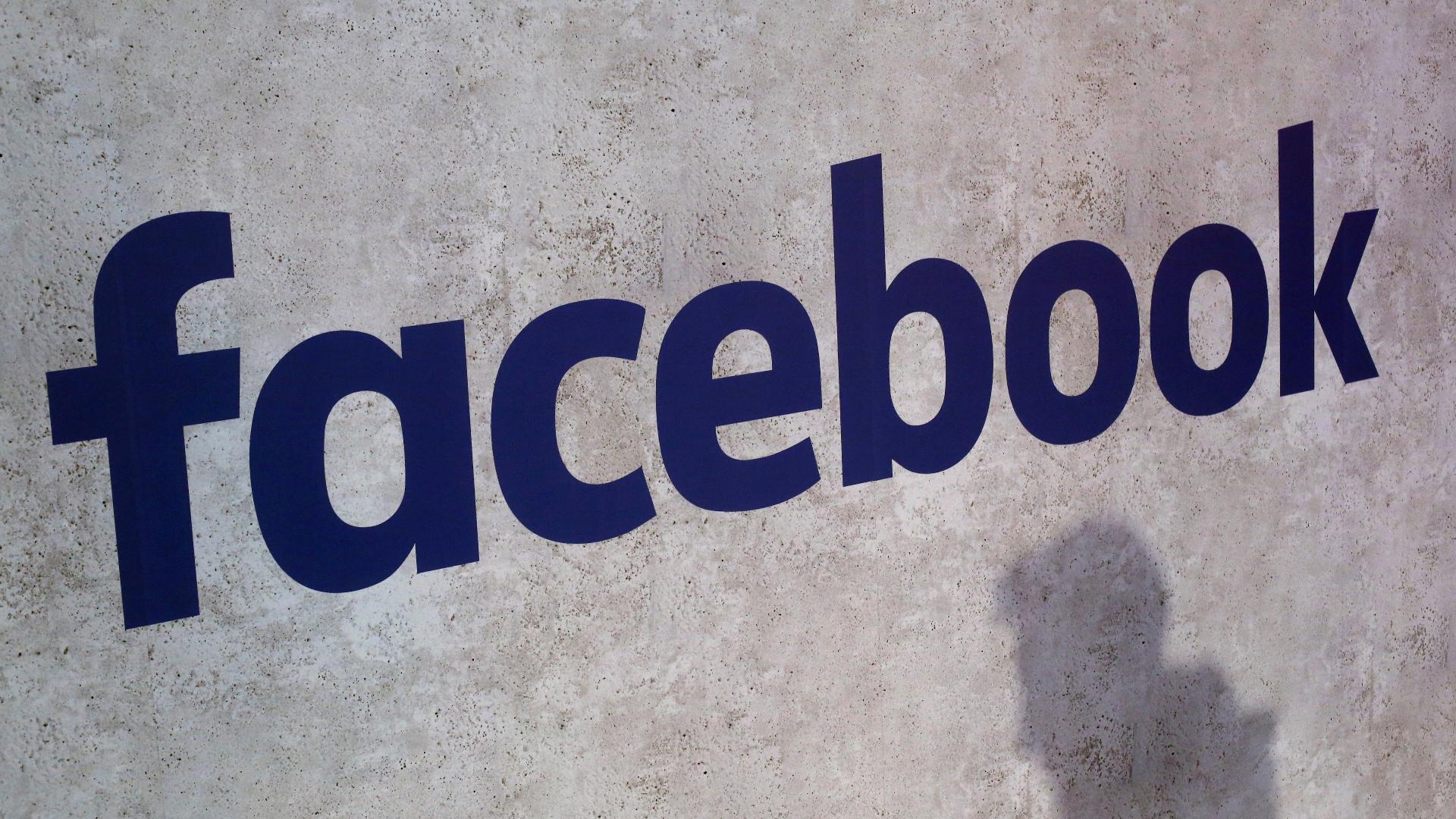 Alexandria Ocasio-Cortez quits Facebook, calls social media a 'public health risk'