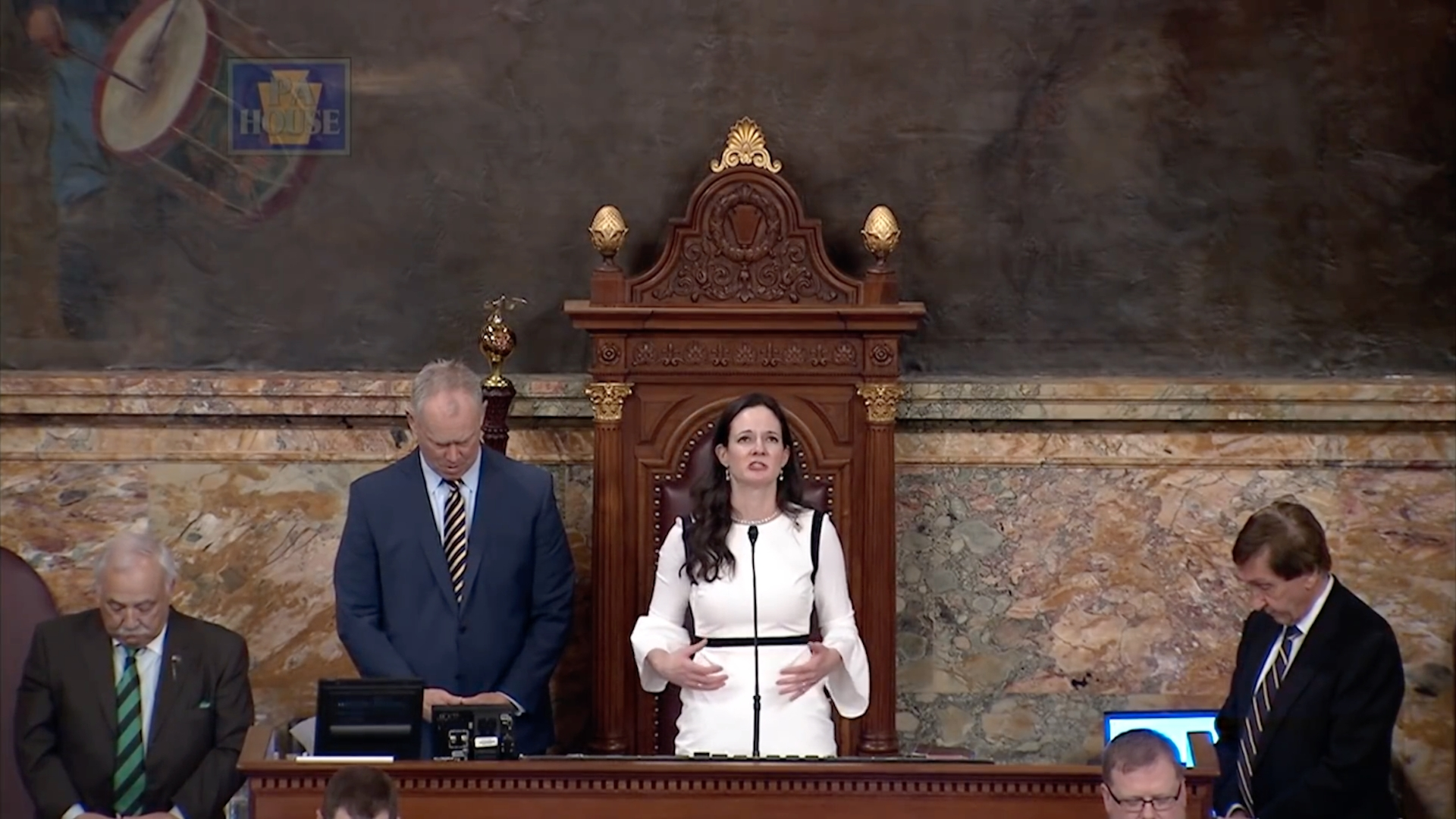 GOP lawmaker prays to Jesus for forgiveness before state's first Muslim woman swears in