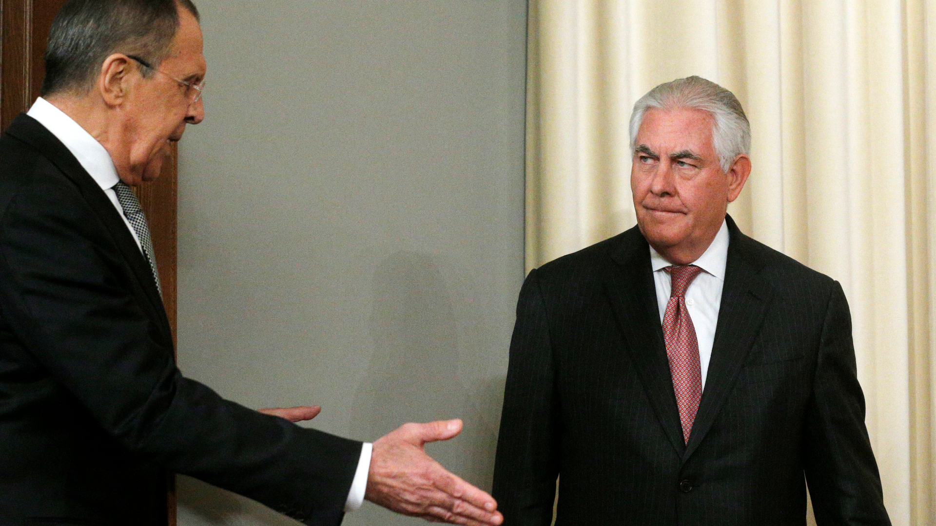 Tillerson meets with Putin amid deepening tensions over U.S. missile strikes in Syria
