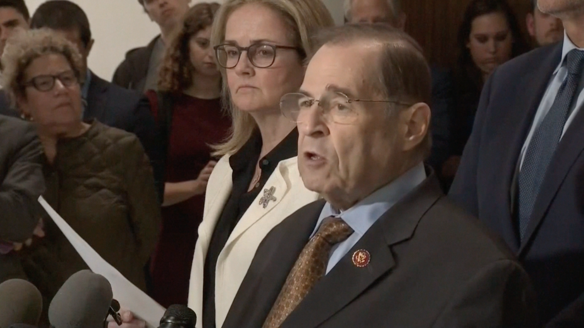 On eve of Mueller report's release, Nadler accuses Barr of protecting Trump