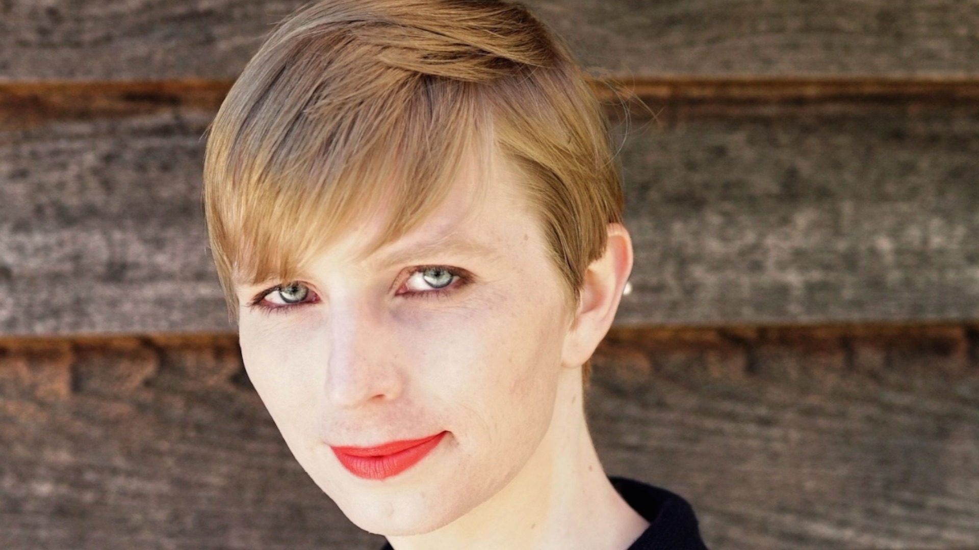 Obama commutes sentence of Chelsea Manning, soldier convicted for leaking classified information