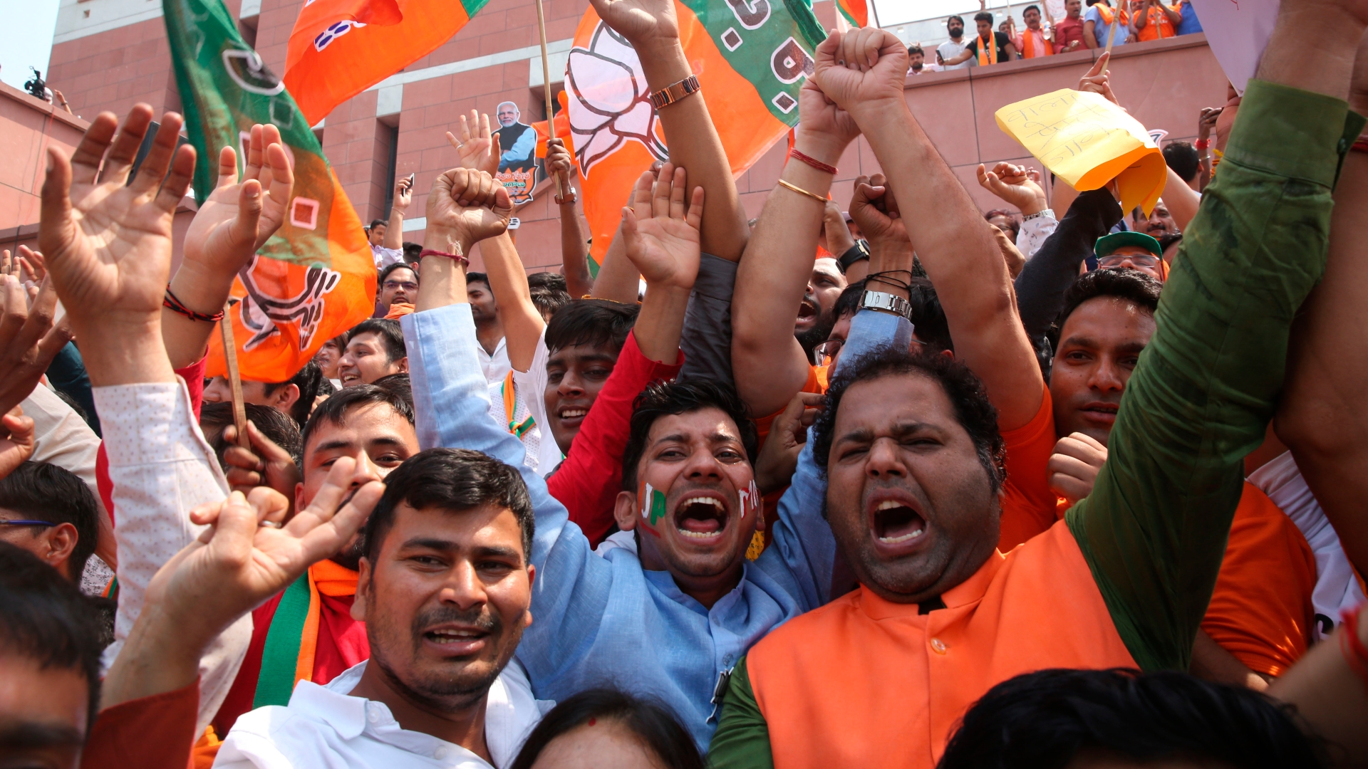 India election results: Modi remains favored to win as counting starts