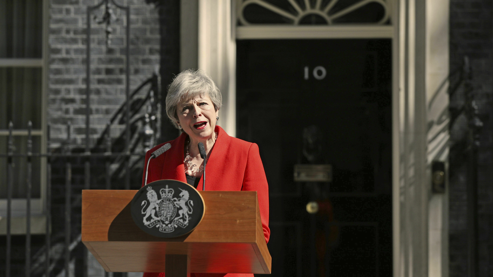 Theresa May to resign, make way for new prime minister, after Brexit failures