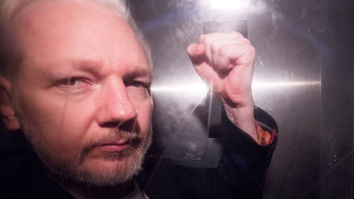 Some federal prosecutors disagreed with decision to charge Assange under Espionage Act
