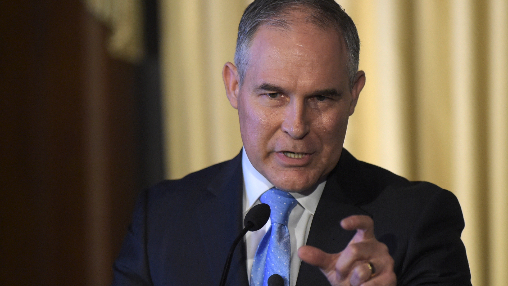 EPA chief pushing governmentwide effort to question climate change science