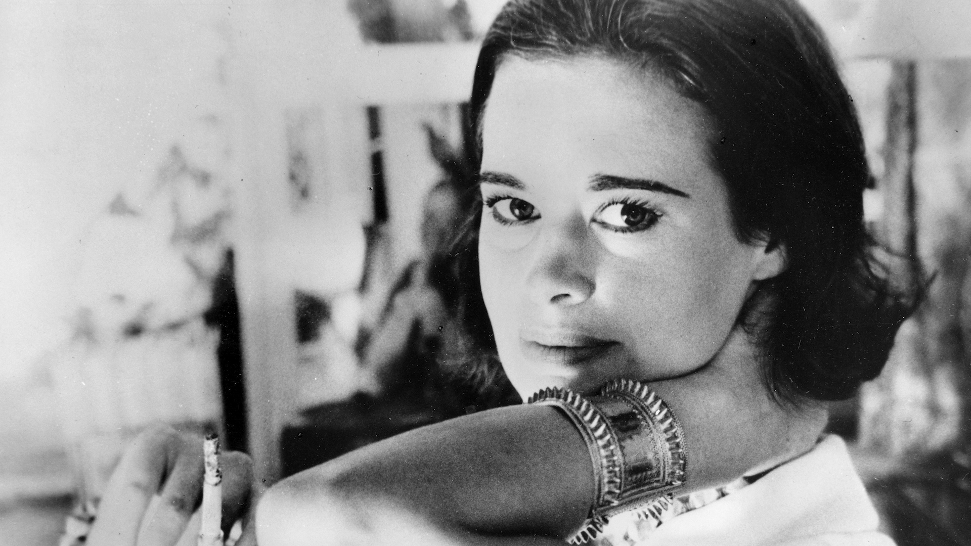 Gloria Vanderbilt, socialite and designer-jeans marketer who was the subject of a sensational custody trial in the 1930s, dies at 95