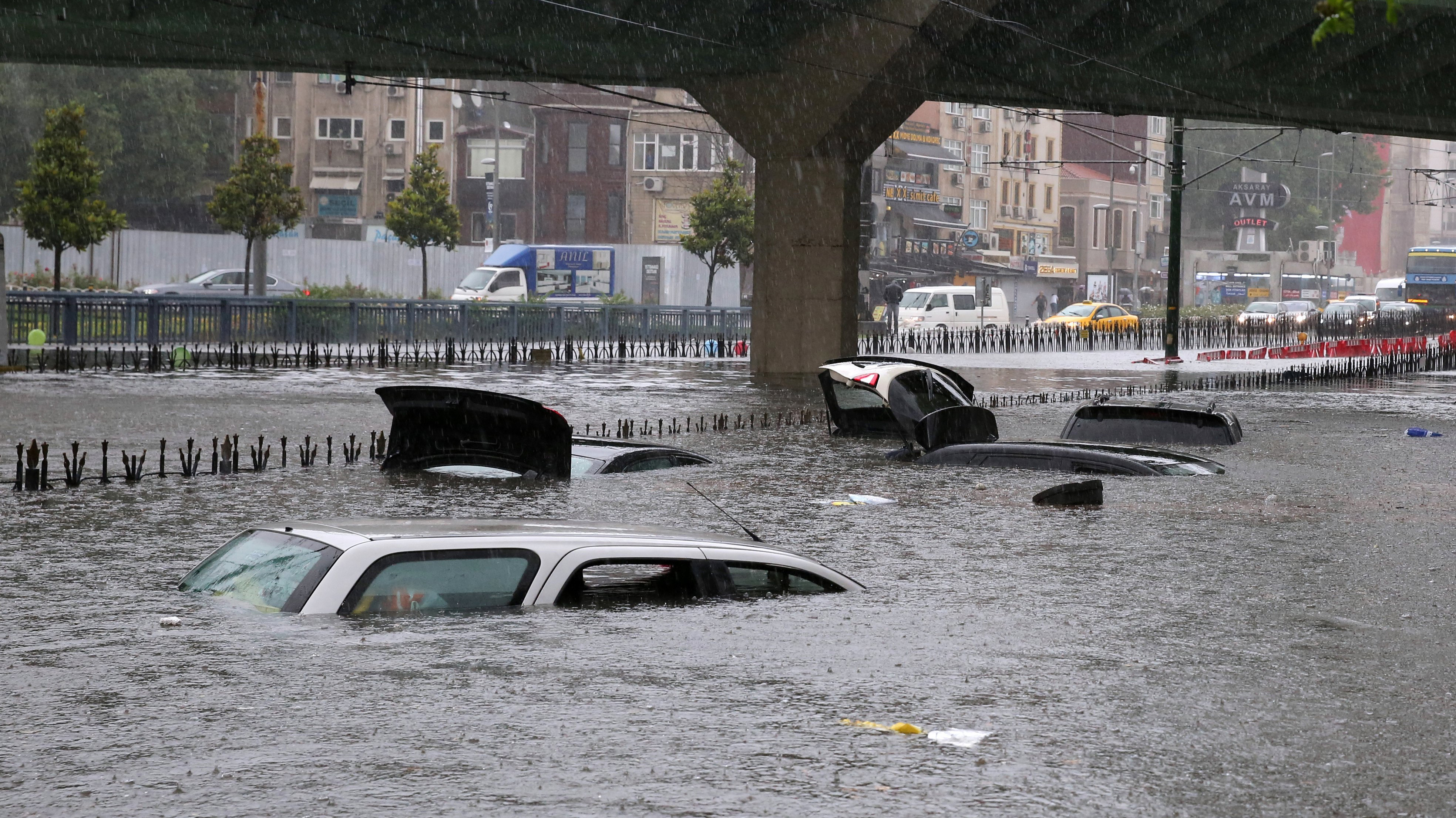 watch istanbul s streets and subway stations flood due to heavy rain