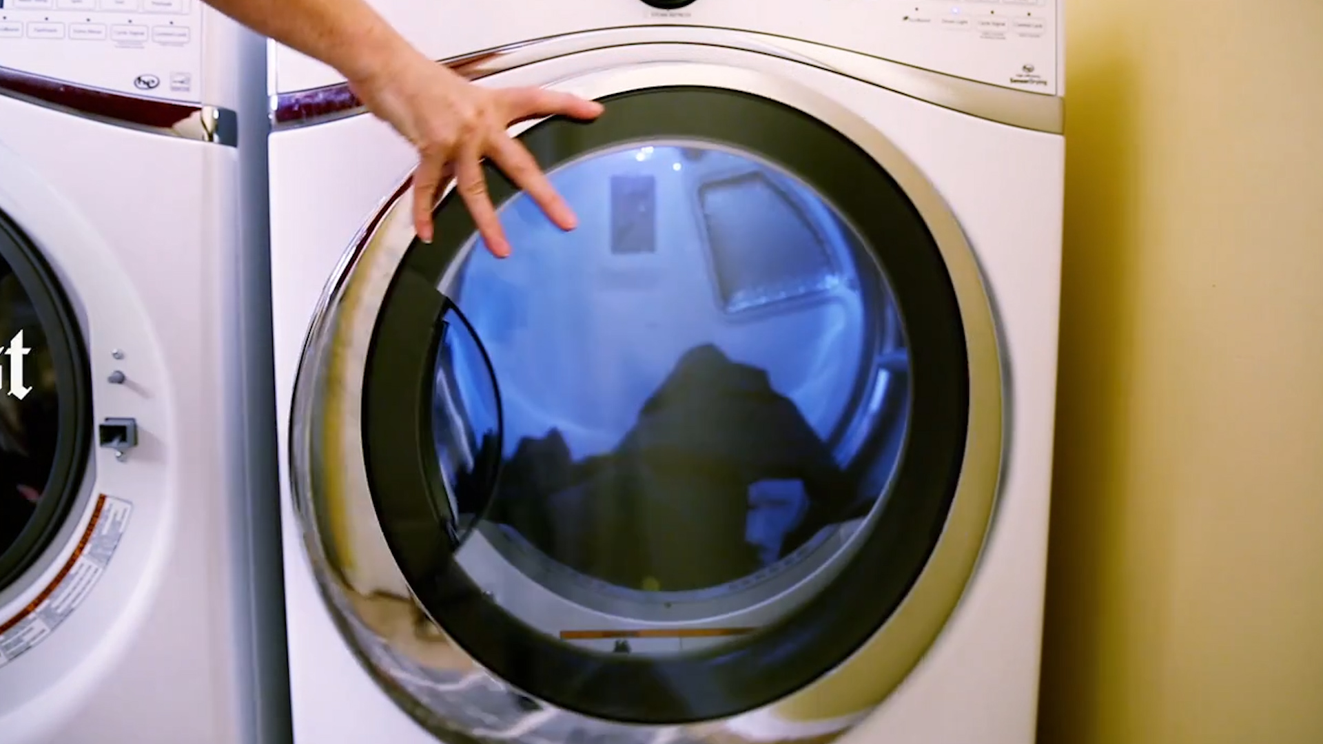 How To Make Your Clothes Smell Good In The Dryer this is why your workout clothes still stink after being