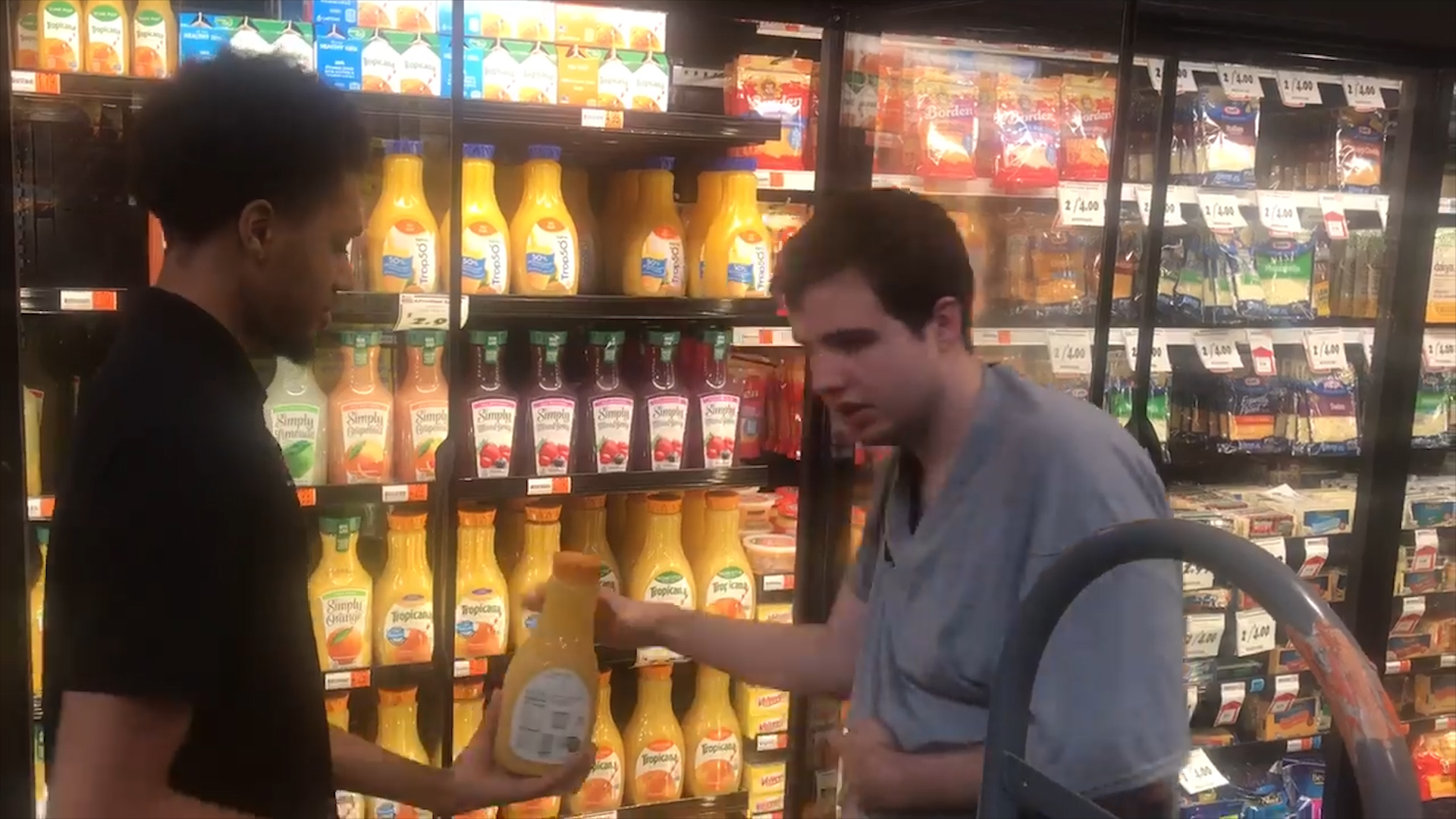 Watch grocery store worker's act of kindness toward autistic teen