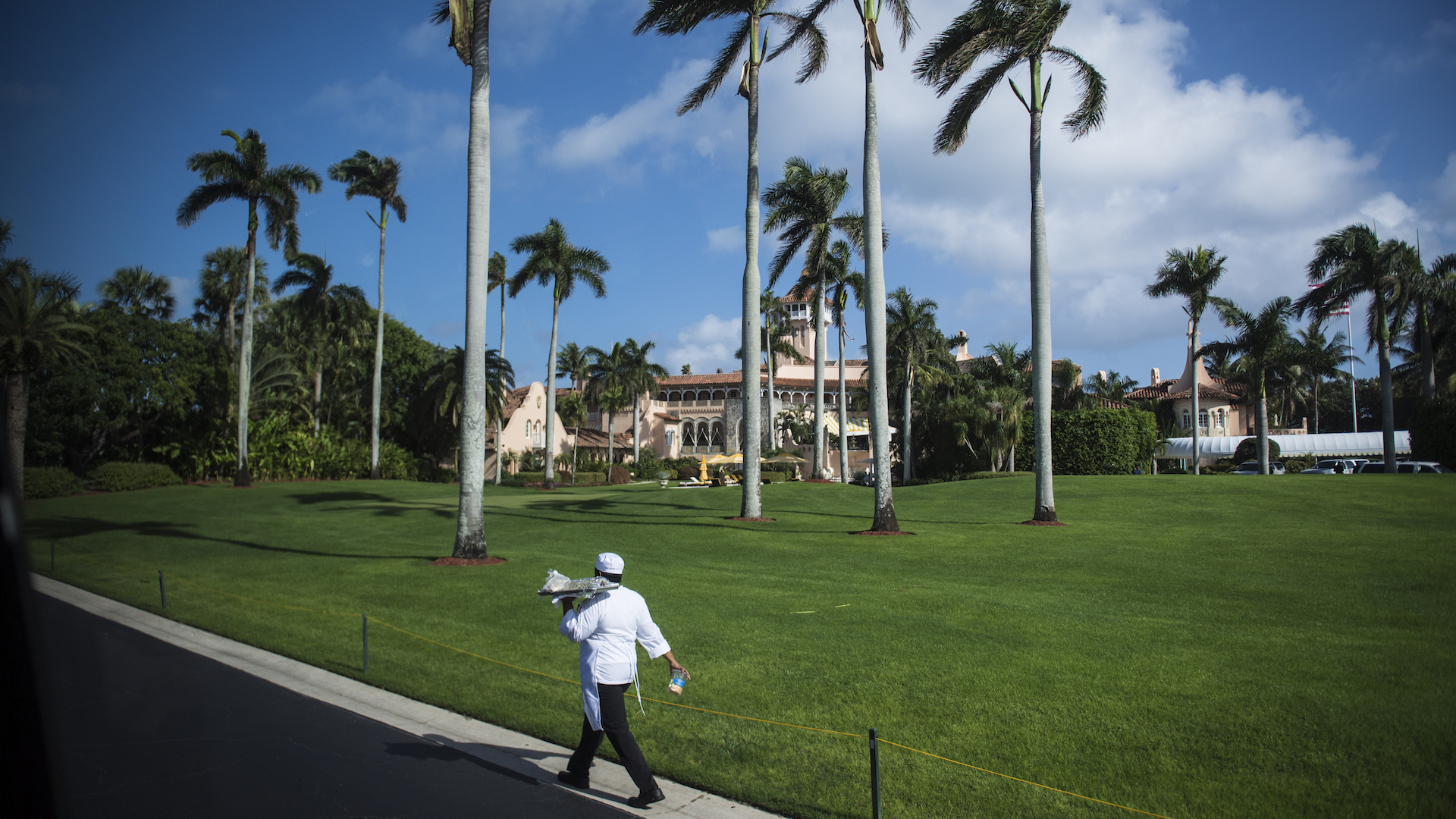 'Apply by fax': Before it can hire foreign workers, Trump's Mar-a-Lago Club advertises at home — briefly