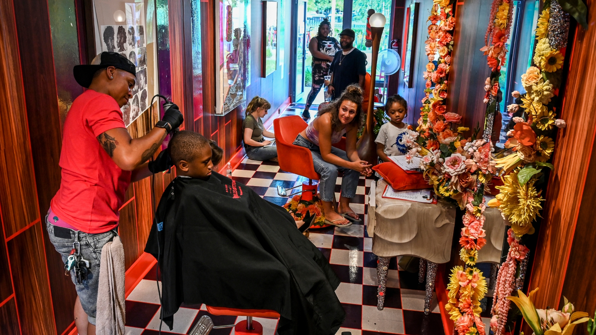 A D C  art gallery transforms itself into a barbershop to promote LGBTQ  tolerance