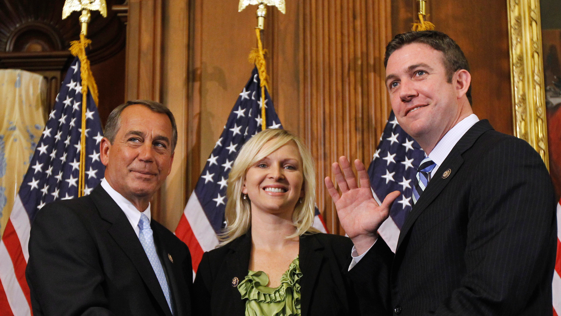 Rep. Duncan Hunter used campaign money to fund extramarital affairs, prosecutors allege