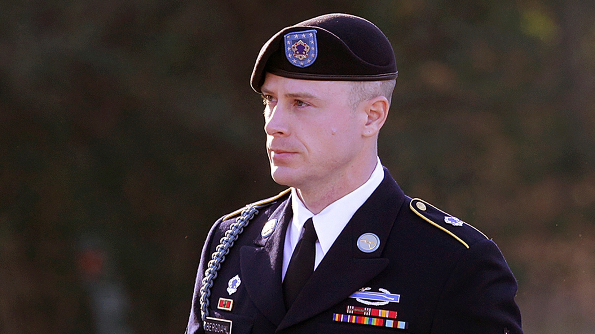 Bowe Bergdahl, the former hostage who pleaded guilty to desertion, avoids prison