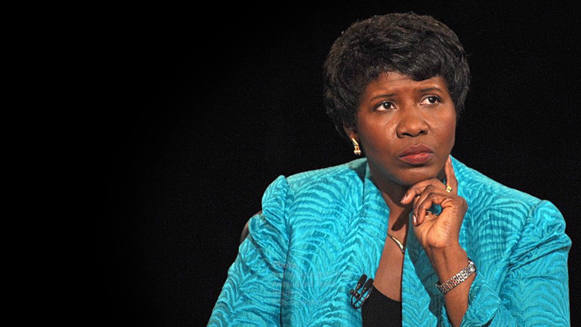 Gwen Ifill, who overcame barriers as a black female journalist, dies at 61
