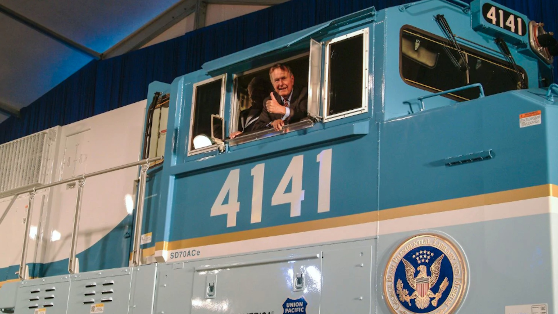 Locomotive 4141 To Escort George H W Bush To Burial Site The
