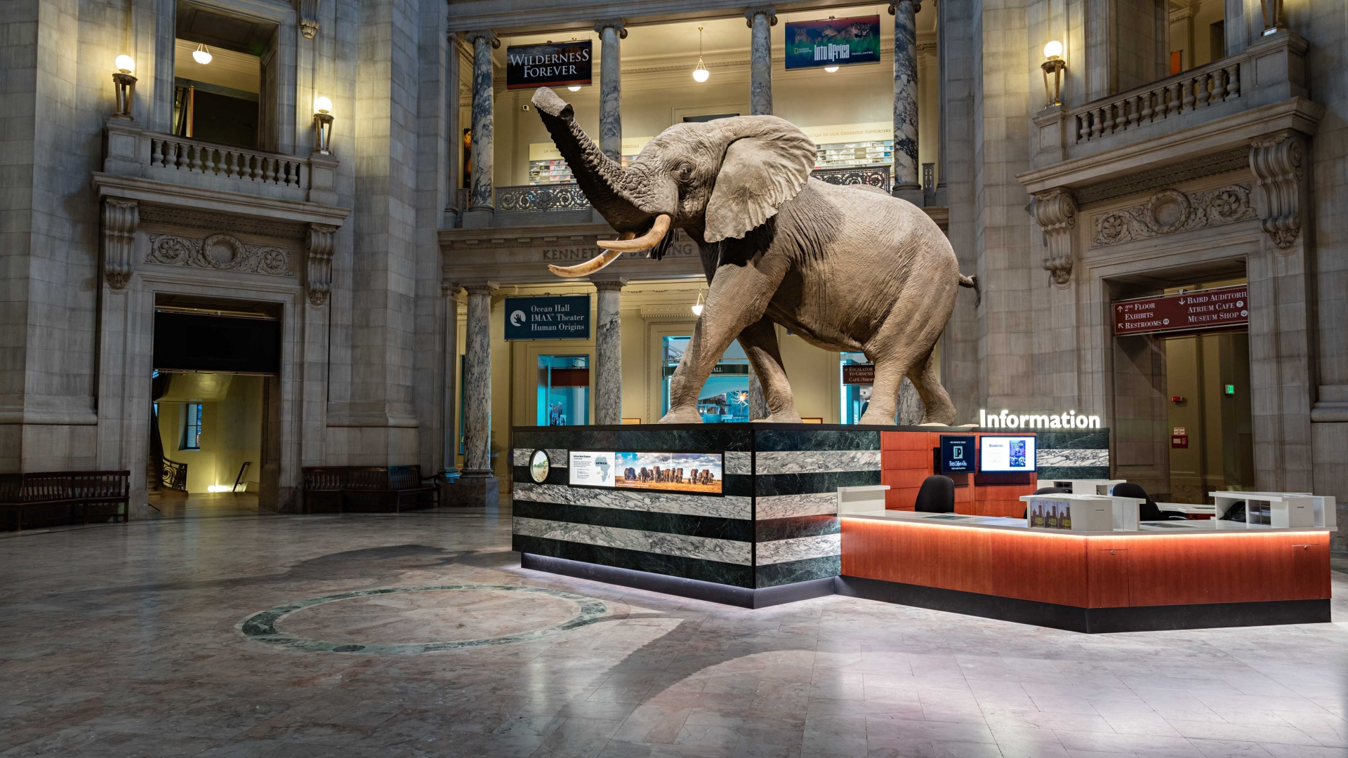 32 things to see on D C 's National Mall: The Smithsonian