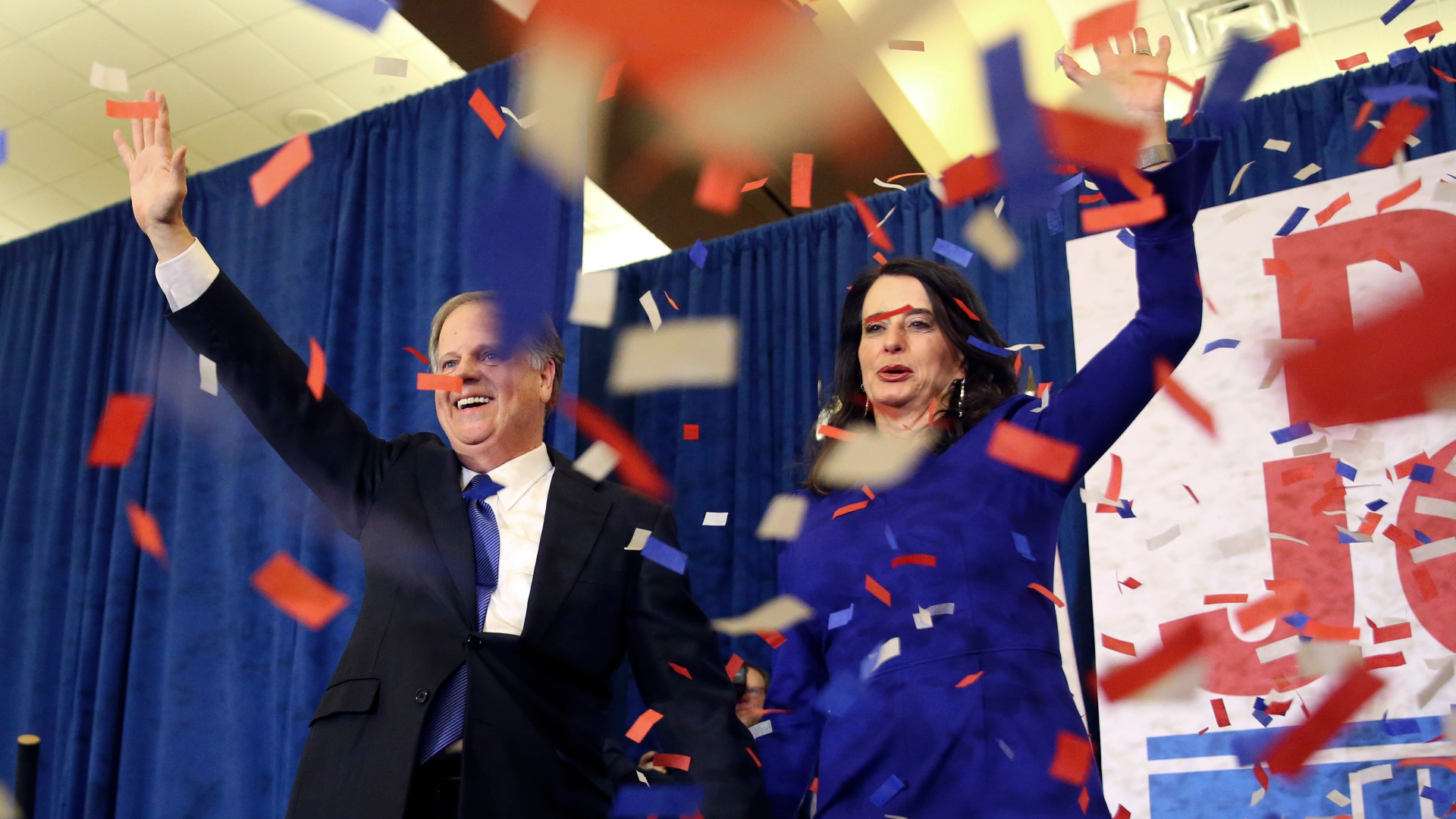 Alabama results remake 2018 election playbook for both parties