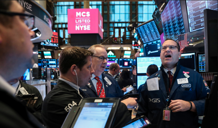 Dow sheds nearly 500 points on weaker economic outlook for China