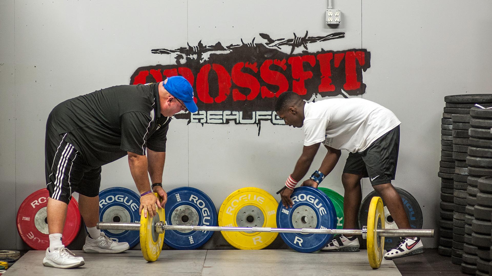 14-year-old breaks U S  weightlifting record