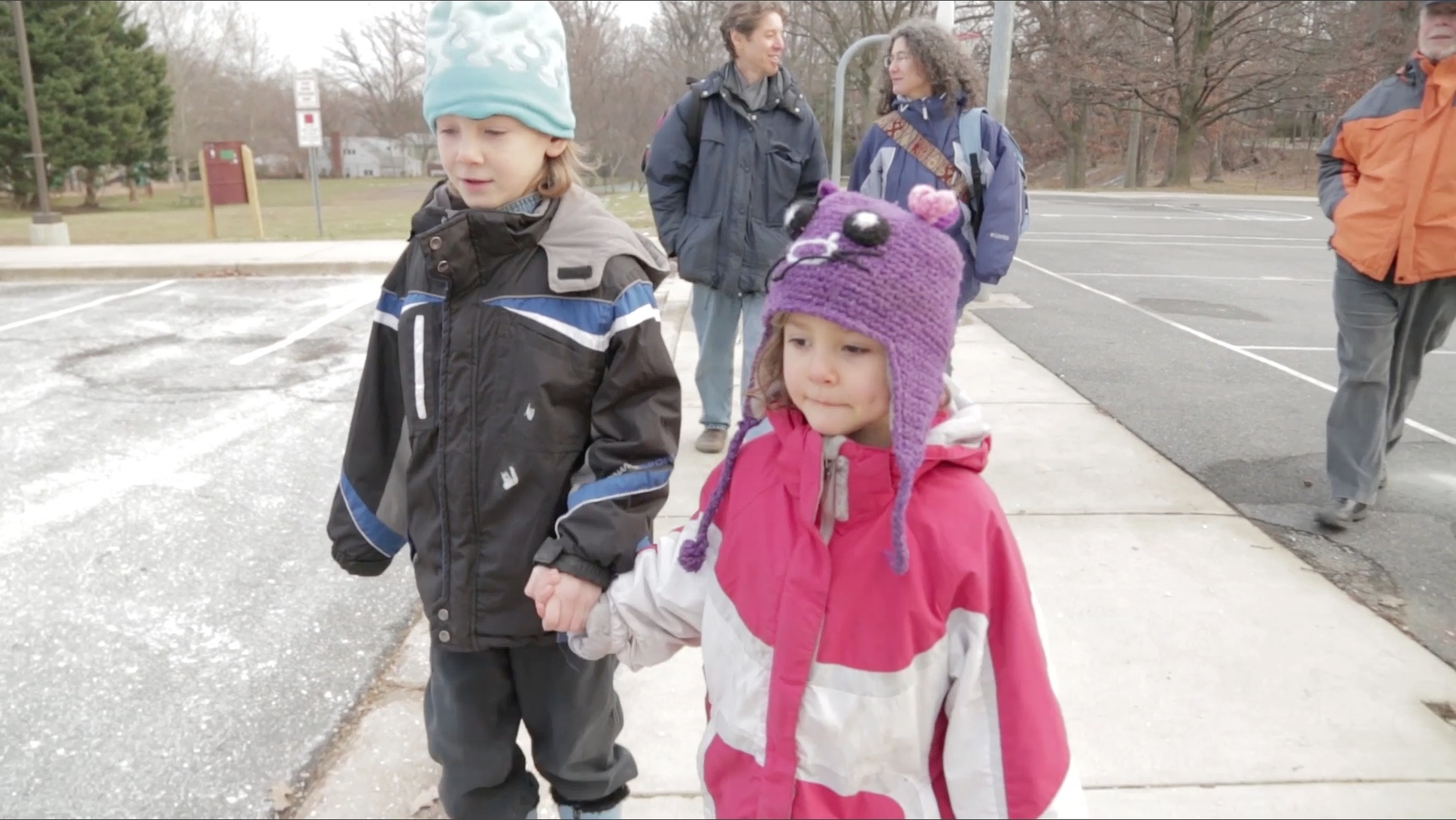 Parents investigated for neglect after letting kids walk home alone