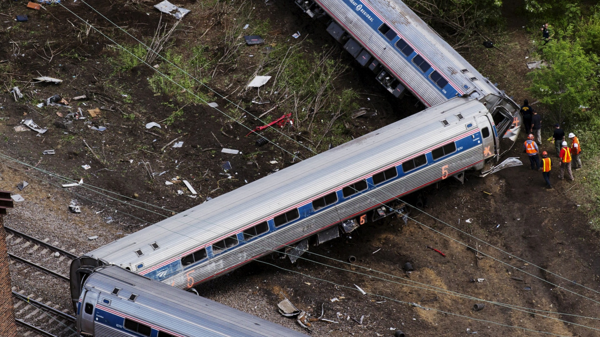 Deadline for train safety technology undercut by industry lobbying